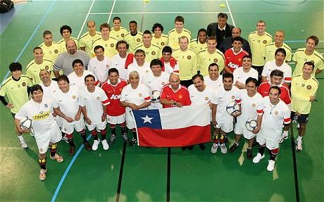 A chilei bányászok a Manchester United játékosaival