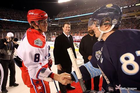 Ovecskin és Crosby kézfogása