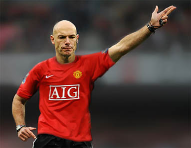 Howard Webb Manchester United mezben