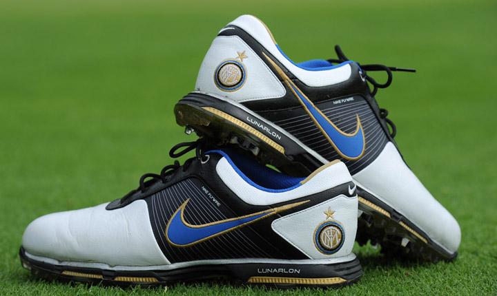 Futball témájú golf-felszerelések a Nike-tól