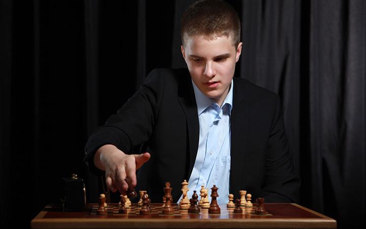 Egyedülálló számítógépes háttér segíti a magyar sakkozót