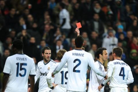 Real Madrid piros lap