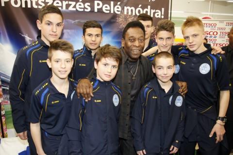 Pelé a PFLA növendékeivel