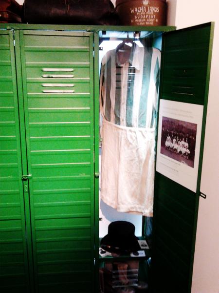 A-beszélő-szekrény