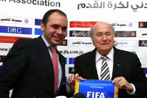 Ali Bin Al Hussein és Sepp Blatter
