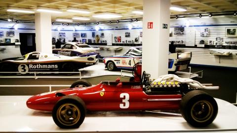 Jacky-Ickx-race-cars