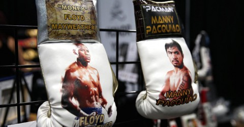 Mayweather és Pacquiao bokszkesztyűk