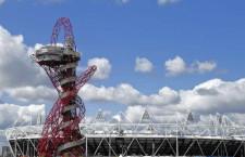Óriáscsúszdává alakítják a londoni olimpiai park látványosságát