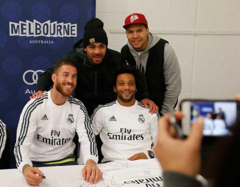 Ramos és Marcelo a szurkolókkal