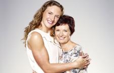 """Hosszú Katinka és édesanyja állnak a """"Köszi, Anyu!"""" kampány élén"""