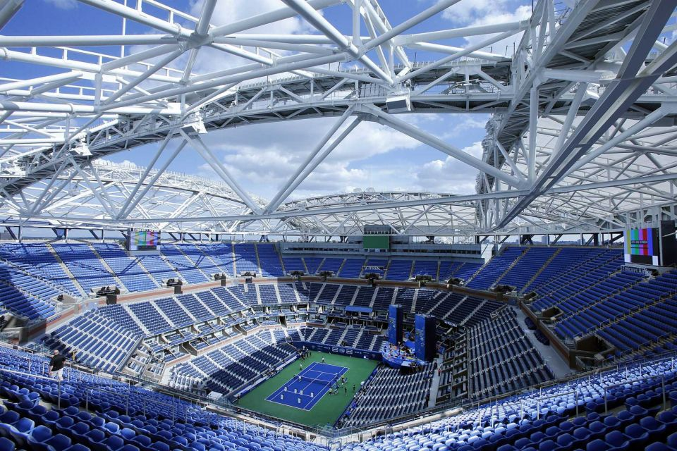 Az Arthur Ashe Stadion tetőszerkzete.