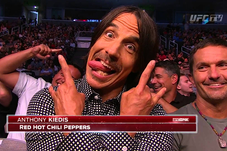 Anthony Kiedis, a Red Hot Chili Peppers énekese egy UFC-gálán.