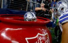 Különleges módon ünnepelte a touchdown-t, erre a szurkolók megrohanták adományokkal az Üdvhadsereget