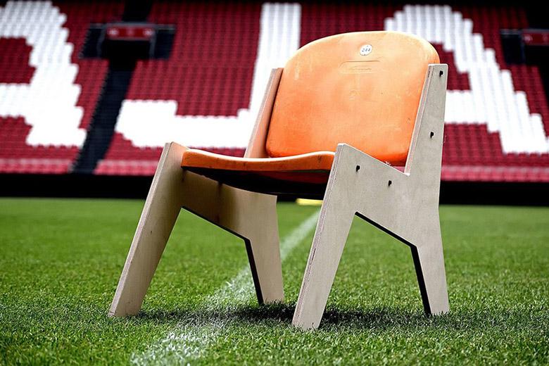Ha már menniük kell a régi székeknek az Ajax stadionjából, akkor szolgáljanak jó célokat